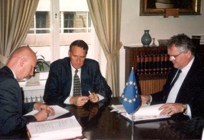 Nombramiento de Martti Pärssinen como primer director del Instituto Iberoamericano de Finlandia en 1996.