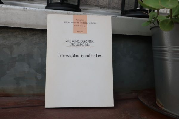 Interests, Morality and the Law 4 redes