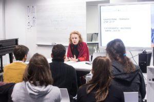 Kaija Saariaho con alumnos