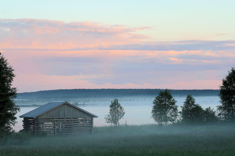 Neblina en el pueblo de Sodankylä